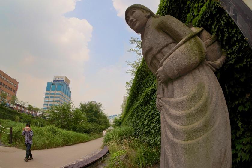 stone woman statue seoul