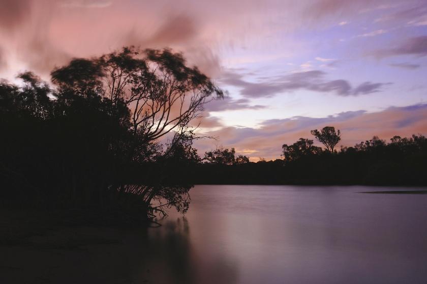 nudgee creek night