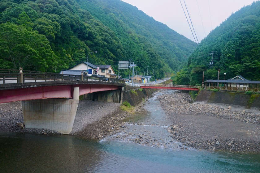 The bridge I slept under on my last night on the Nakahechi. That's the shop on the left. The shrine is just to its left.